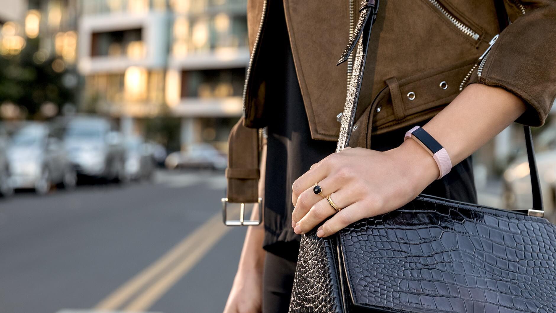 nowa opaska Fitbit alta z czujnikiem tętna