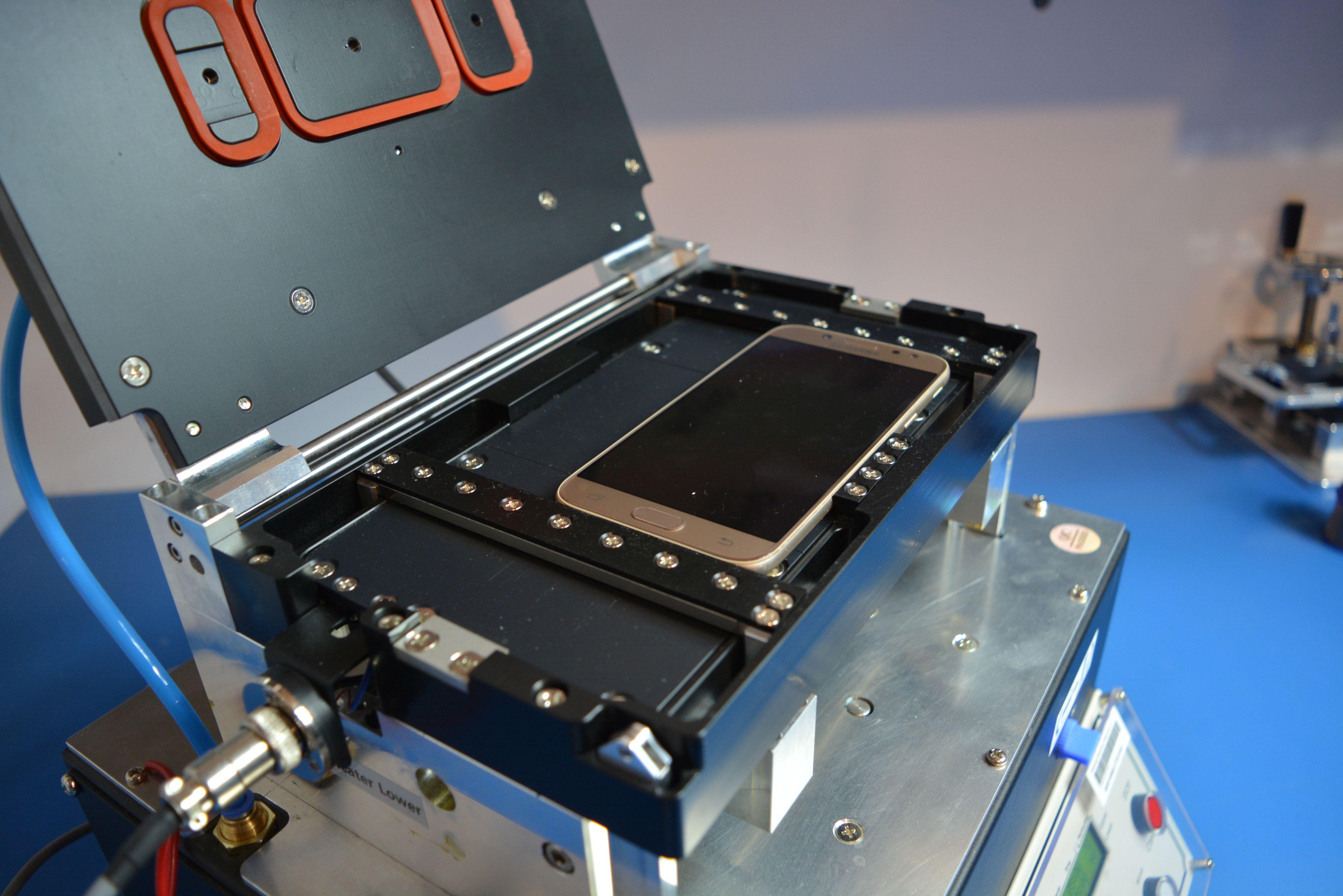 Po każdej naprawie w naszym serwisie, urządzenie przechodzi szereg testów określonych przez dział techniczny firmy Samsung. Dodatkowo w urządzeniach, które tego wymagają wykonywane są testy szczelności. Wszystkie te czynności gwarantują najwyższą jakość obsługi i eliminują w 99% prawdopodobieństwo powtórnej naprawy.